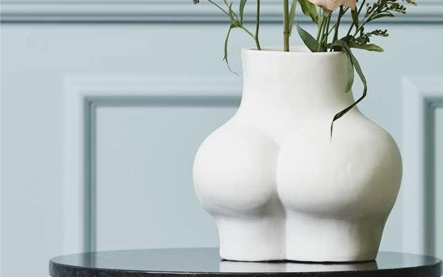 Vases, planters and terrariums