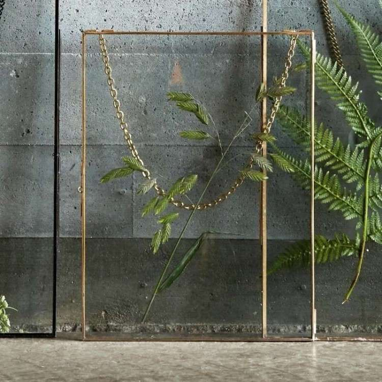 Hubsch Frames with Matching Chain from Accessories for the Home